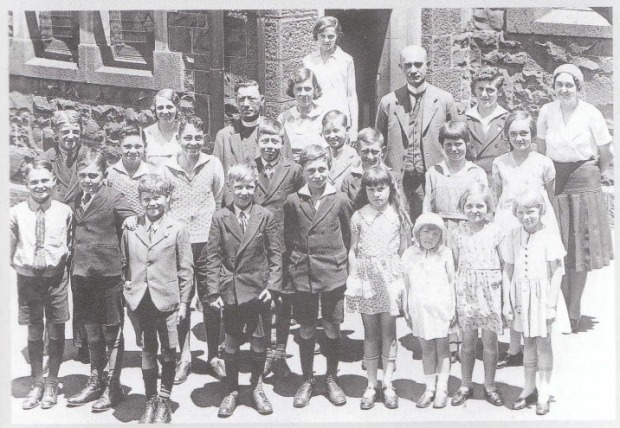 Students and Teachers of the German Saturday School in the 1920s